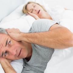 Não se engane: mulheres também podem roncar